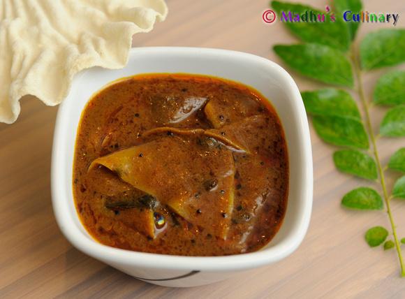 Apalam Kuzhambu / Papad Kuzhambu